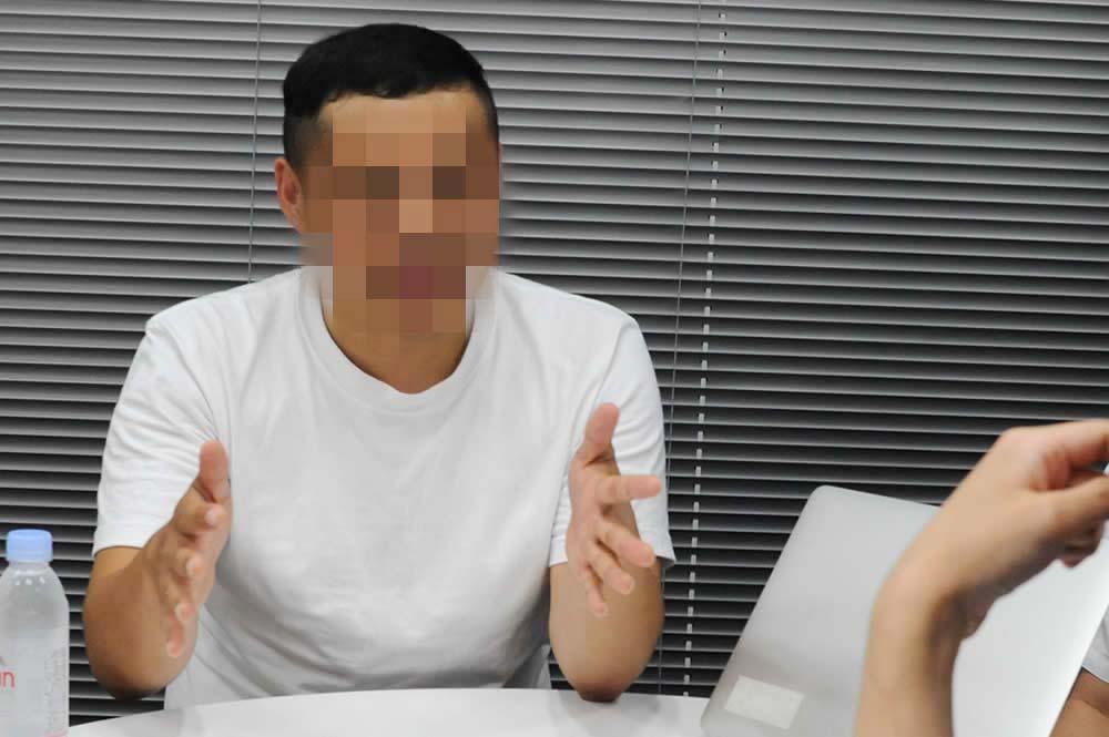 ミノキシジルやデュタステリドなどAGA治療薬について話す松本さんの写真